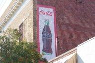 coca cola reklama na budynku